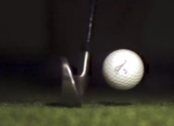 Golf-shot-iron-slow-motion