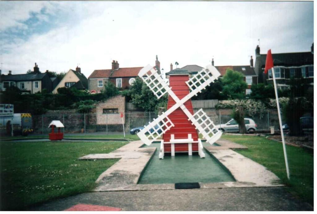 miniature-golf-windmill-1960s