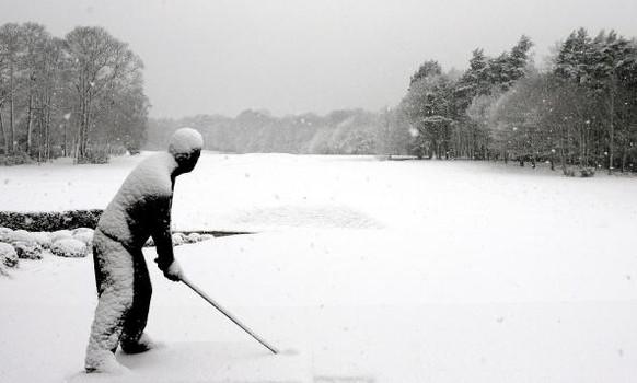 http://pausenthrow.com/wp-content/uploads/winter-golf-examiner.jpg